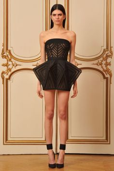 House of Worth Haute Couture Spring 2013 18th Century pannier