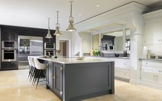 New England - Grey Oak Family Kitchen - Andrew Ryan New England Decor, New England Kitchen, Antique Mirror Glass, Kitchen Showroom, Light And Space, Grey Oak, Family Kitchen, Beautiful Kitchens, Kitchen Decor