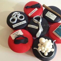 50 Shades of Grey Cupcakes! These would be great for book club! Cupcake Art, Cupcake Cakes, Cup Cakes, 50 Shades Of Grey, Fifty Shades, Beautiful Cakes, Amazing Cakes, 50 Shades Party, School Cupcakes