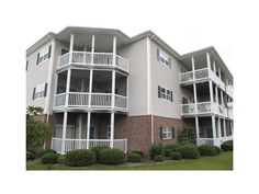 SOLD!  402 Penny Lane, D, Morehead City, NC  3 Bedroom and 2 bath condo conveniently located to everything  features include bright airy and open floor plan with high ceilings kitchen with pantry smooth top refrigerator and bar area gas log fireplace split bedroom plan master suite with separate whirlpool tub and shower and laundry room.  Interior is in need of some TLC.