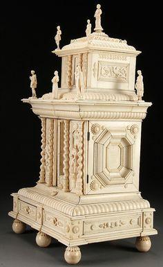 French Renaissance-style ivory and bone jewellery chest, mid-19th c. Cedar Falls (IA), Jackson's, 14.11.12, no. 704.