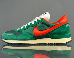 nike air vortex vntg gorge green/ throw a pair on with a mexico soccer jersey!