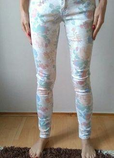 Kup mój przedmiot na #vintedpl http://www.vinted.pl/damska-odziez/rurki/7444196-spodnie-rurki-w-modne-kwiatki