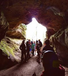 Caverne Laflèche Distance de Montréal : 2 h 32 min Ça s'peut que ça te dise vaguement quelque chose, mais je suis pas mal sûre que c'est grâce à l'Abraska qui est au même endroit. Pour éviter de te perdre à l'intérieur de la caverne et pour l'explorer de fond en comble, il est possible de réserver auprès de l'entreprise des visites guidées! Escapade, Explorer, Quelque Chose, Trips, Road Trip, Destinations, Traveling, Spa, Around The Worlds