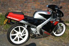 1989 Honda VFR400R NC30