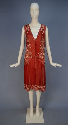 Evening dress, ca 1925-28 Click for a giant image. Back: Detail: