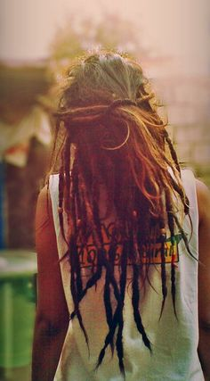 sey nude girl with dreads