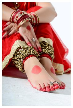 Alta- It is a red dye which women in India apply with cotton on the border of their feet and hands for marriages,religious festivals and various dance forms. The specific designs can be very subtle, taking all of five minutes to create.It symbolises beauty,and in dance the red awakens the prana in ones body as well as the space in which one is dancing, thus infusing the ritual with more sanctity.' .Alta is simplistic and impactful.