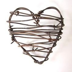 Rustic Home Decor Barbed Wire Heart - Cowboy's Heart - rustic wedding decor favors wedding gifts for him rusty metal heart Western Decor, Rustic Decor, Rustic Gifts, Rustic Outdoor, Rustic Art, Western Theme, Barb Wire Crafts, Barbed Wire Art, Barbed Wire Wreath