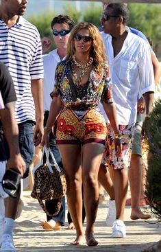 Beyonce mixes prints
