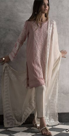 Hanging pearl and pleated edge