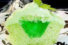 Zitronen - Cupcakes mit Waldmeister - Frischkäse - Creme