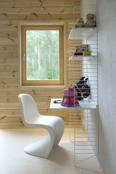 String storage system. Honka Lumi. Log Home Interiors, Log Homes, Scandinavian Style, Contemporary, Modern, Finland, Floors, Bookcase, Walls