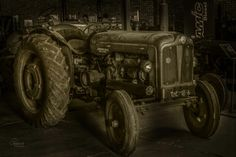 #old #tractor #nampo