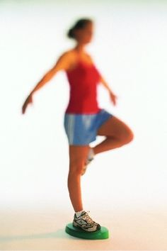 Proprioception Exercises – Proprioceptive Activities – Training your body to balance. Pnf Stretching, Dynamic Stretching, Pediatric Physical Therapy, Pediatric Ot, Occupational Therapy, Physical Therapist, Proprioceptive Activities, Proprioceptive Input, Scoliosis Exercises