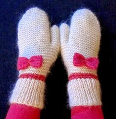 Mittens with bows Yarn Inspiration, Knit Mittens, Gloves, Socks, Knitting, Sewing, My Style, Crochet, Baby