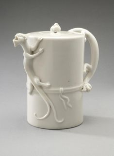 Teapot and Cover Artist/maker unknown, Chinese Qing Dynasty (1644-1911) 18th - 19th century