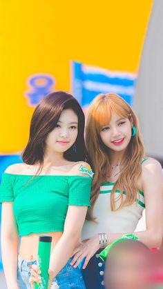 Kim Jennie, Kpop Girl Groups, Korean Girl Groups, Kpop Girls, Divas, Blackpink Poster, Lisa Blackpink Wallpaper, Black Pink Kpop, Blackpink Photos