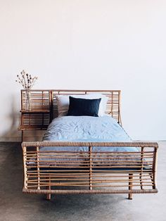 Fantastic home decoration info are offered on our site. look at this and you wont be sorry you did. Cute Dorm Rooms, Cool Rooms, Custom Mattress, Diy Home Decor, Room Decor, Farmhouse Side Table, Living Room Designs, Interior Design, Interior Decorating