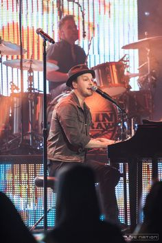 #YahooLive: Gavin DeGraw tonight, 8/5, at 5:45pm PT/ 8:45pm ET