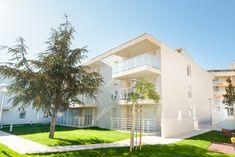 Othélo - Toulon (83) © Julie Biancardini Mansions, House Styles, Home Decor, Toulon, Decoration Home, Manor Houses, Room Decor, Villas, Mansion