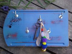 Perchero portallave, reutilizando tabla de madera de cocina