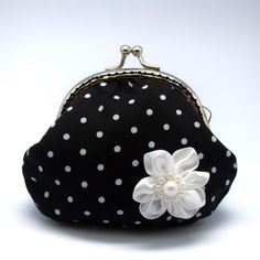 black & white coin purse {adorable}
