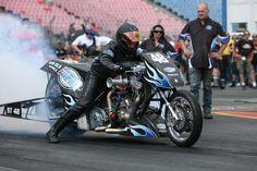 Motorrad Bild: Top Fuel Drag Bikes