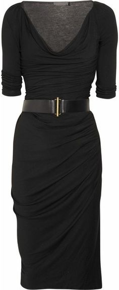 Classy black dress. Love the style. I should make it in a fun colour.