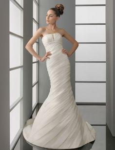 Русалочка  пышное  современное длинное свадебное платье шлейф