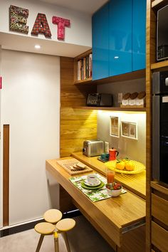 PKB ARQUITETURA - good idea for a small kitchen in the office.