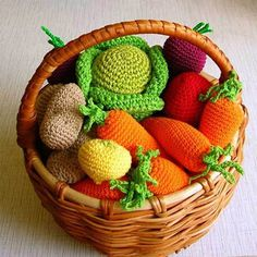 knitting-crochet-craft-ideas-food-table-decorations (6)