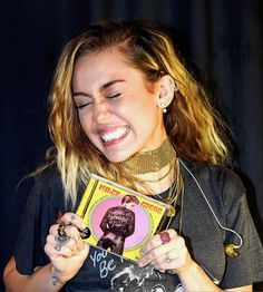Miley promoting her new album Younger Now at Billy Joel's show at Madison Square Garden