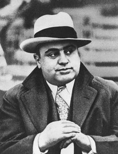 "Al Capone When people around the world think of Chicago, one of the first things that come to mind is the Roaring '20s and gangsters. And the best known Chicago gangster was certainly Alphonse ""Scarface"" Capone."