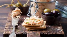 The Best Smoked Fish Dip Recipes You've Ever Tasted! Salmon Mousse Recipes, Smoked Salmon Mousse, Smoked Salmon Appetizer, Smoked Salmon Dip, Baked Salmon, Dip Recipes, Rillettes Recipe, Potassium Rich Foods, Vegetarian Recipes