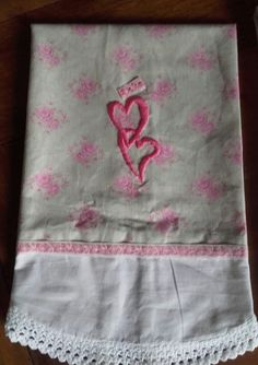 Guest´s towel with antique white clothe and embroidery by me.