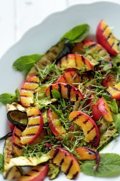 Grilled Nectarine and Zucchini Salad with Mint Dressing - Green Évi