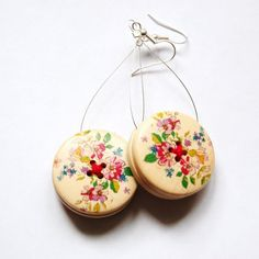 wooden button earrings  These are wonderful and a great idea for diy