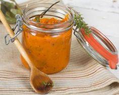Purée de carotte au thym et au romarin : http://www.fourchette-et-bikini.fr/recettes/recettes-minceur/puree-de-carotte-au-thym-et-au-romarin.html