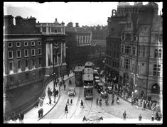 Old Pictures, Old Photos, Dublin Street, Photo Engraving, Historical Photos, Buses, Trains, Ireland, Irish