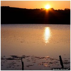 ☀️️ ❝Everyday the sun lights up a new world❞ ✦  ️☀️ ❝Cada día el sol ilumina un mundo nuevo❞ ❀ #MiguelRevelles #atardecer #atardeceres #sunset #sunsets #puestadeSol #England #Brighton #puestadeSol #sol #sun #sevenSistersCountryPark #7sisters #sevenSisters #naturaleza #nature #naturePhotography #frases #quotes #canonistas #canon #canonEspaña