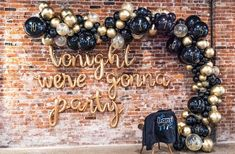 DIY NYE Countdown Organic Balloon Garland Kit - chrome gold confetti black arch garland banner new years eve party decoration DIY NYE Countdown Bio Ballon Girlande Kit - Chrom Gold Konfetti schwarz Bo Black And Gold Balloons, Black Gold Party, All Black Party, Daisy Party, Nye Party, Festa Party, Party Hats, 30th Party, 40th Birthday Parties
