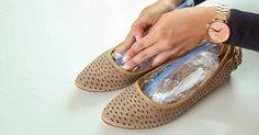 Μερικές φορές μας αρέσει τόσο πολύ ένα ζευγάρι παπούτσια που το αγοράζουμε ακόμη και αν μας στενεύει, με την ελπίδα ότι θα «ανοίξουν». Μέχρι τότε όμως; Ή ακόμη μπορεί να στενέψουν επειδή δε τα πλένουμε σωστά. Κρίμα δεν είναι να τα πετάξουμε;Η καλύτερη λύση για τις ρυτίδες που έχετε ακούσει ποτέ! Χρησιμοποιήστε το και ξεχάστε …