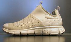 Nike run boot low.