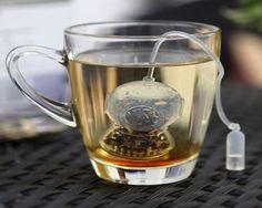 Come explore the vast underwater world of loose-leaf tea with Deep Tea Diver.