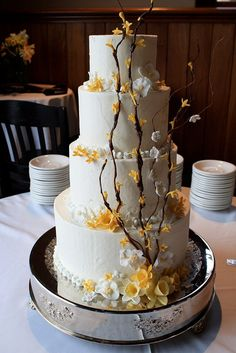 Beautiful cake from @Melissa McKelvey's wedding.