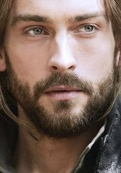 Proof God MUST be a woman. Tom Mison is perfection, long hair or no.
