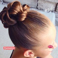 Girl Hairstyles 608408230895340134 - A bun so easy & pretty is everything we want! Baby Girl Hairstyles, Bun Hairstyles, Gorgeous Hairstyles, Sweethearts Hair Design, Flower Bun, Natural Hair Styles, Short Hair Styles, Hair Upstyles, Hair Color Techniques