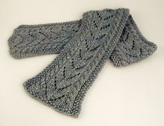 knit scarves | Kid Merino Lace Scarf - cat's paw pattern - free knit lace scarf