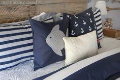 Schöne Kissen in weiß/blau mit maritimen Flair.